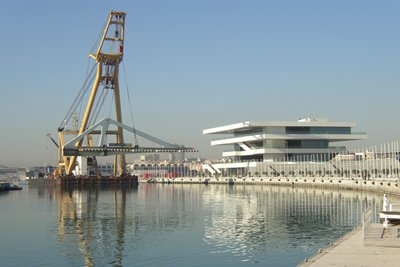 assets/images/content/Relocation_Moving_Bridge_Port_Valencia.jpg